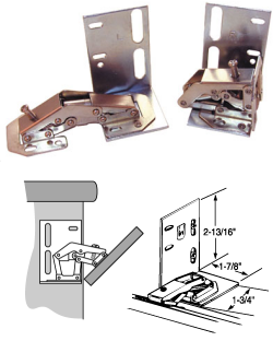 Self-closing hinge for<br>small doors and tip-outs